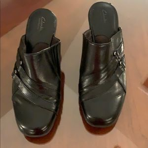 Clark's leather heeled clogs